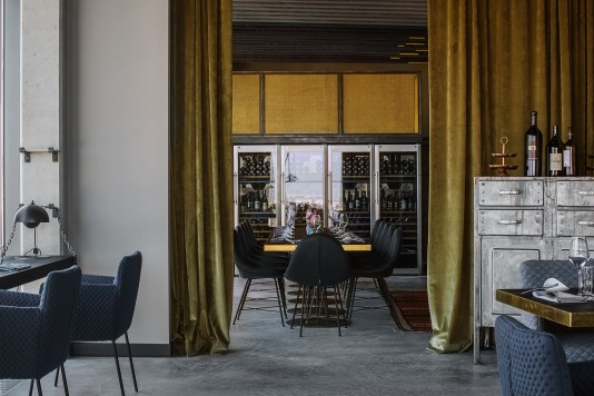 skykitchen-restaurant-berlin-interior-private-dining-area-3-low