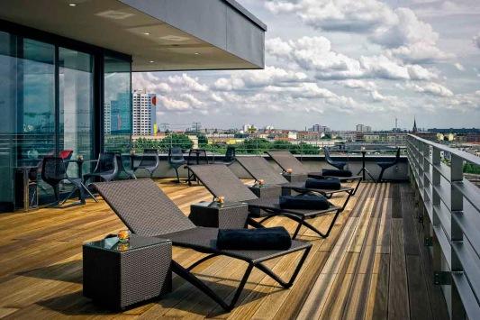 vienna-house-andels-berlin-alounge-terrace-low